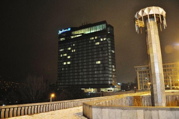 M.Vadiaio nuotr./Radisson vieabutis panaaiai kaip ir Vilniuje gerai matosi ia visų Tbilisio vietų