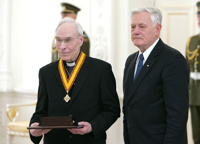 BFL nuotr./Juozas Tunaitis with Lithuanian President Valdas Adamkus