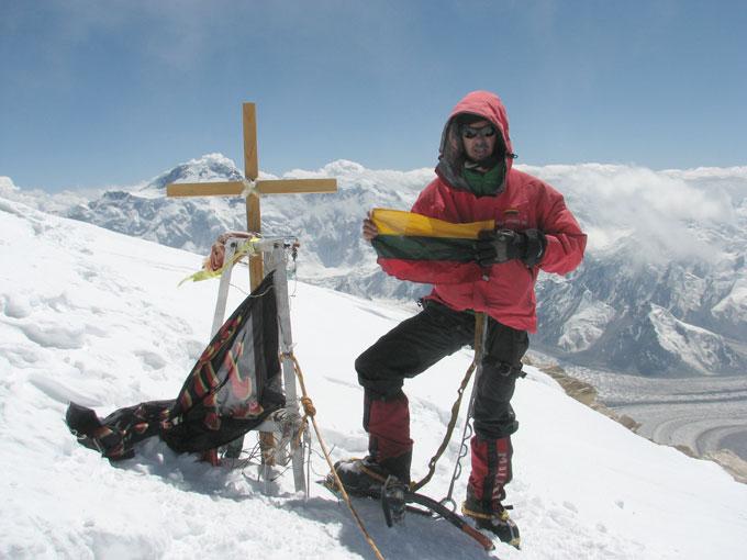 Ernestas Markšaitis kalno Chan Tengri (Tian Šanis, 7010 m) viršūnėje