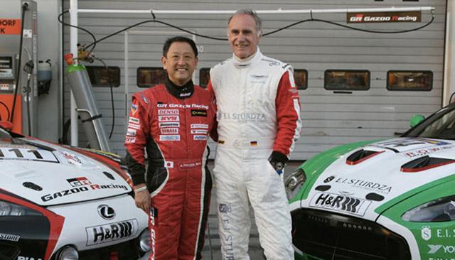 Lexus ir Aston Martin viename garaže