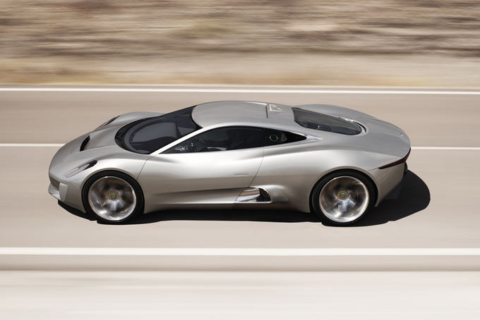 Gamintojo nuotr./Jaguar C-X75 koncepcija