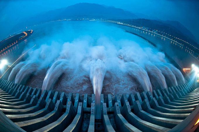 AFP/Scanpix nuotr./Trijų tarpeklių užtvanka Kinijoje