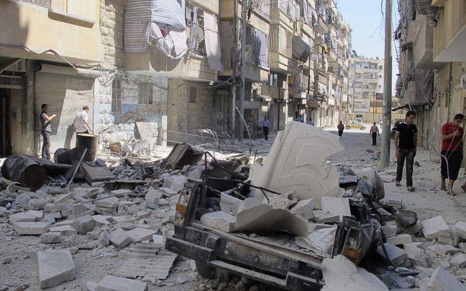 Alepo miestas po Sirijos armijos oro atakų