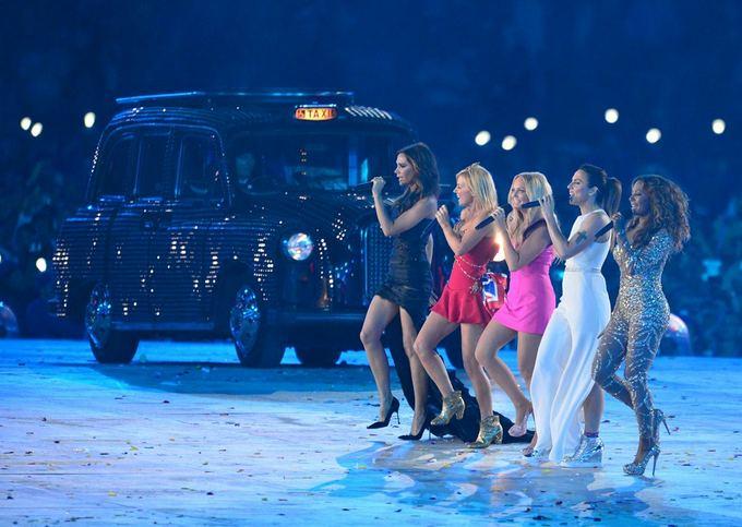 AFP/Scanpix nuotr./Grupės Spice Girls pasirodymas Londono olimpiados uždarymo ceremonijoje