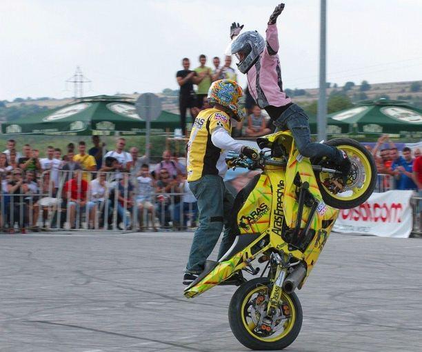 Arūnas Gibieža motoakrobatų varžybose Bulgarijoje