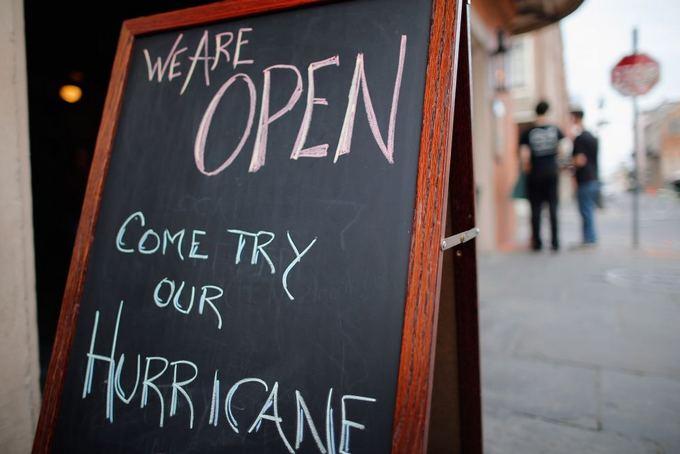 AFP/Scanpix nuotr./Naujasis Orleanas ruoaiasi atremti atogrąžų audros Izaokas smūgį