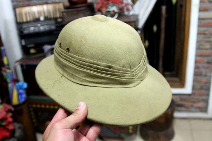 Evelinos ir Karolio nuotr./Autentiaka angliaka tyrinėtojo kepurė