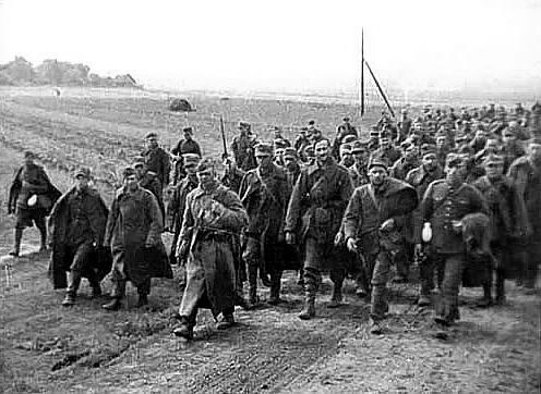 Į sovietų nelaisvę 1939-aisiais patekę lenkų kariai
