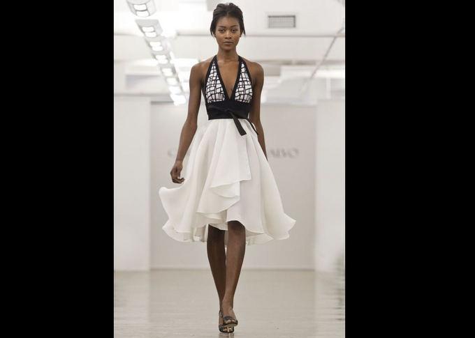 Scanpix nuotr./Drapiruota suknelė