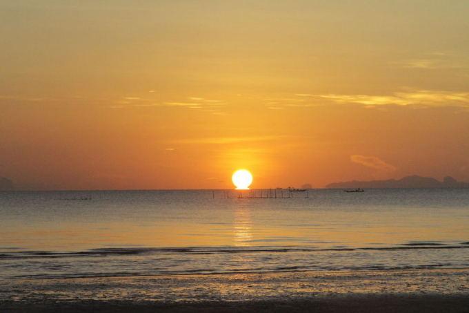 Evelinos ir Karolio nuotr./Tailando saulė