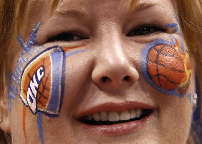 Reuters/Scanpix nuotr./Oklahomos Thunder gerbėja