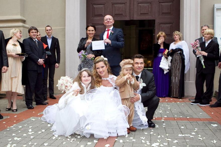 Viganto Ovadnevo nuotr./Deivio ir Renatos vestuvių akimirka