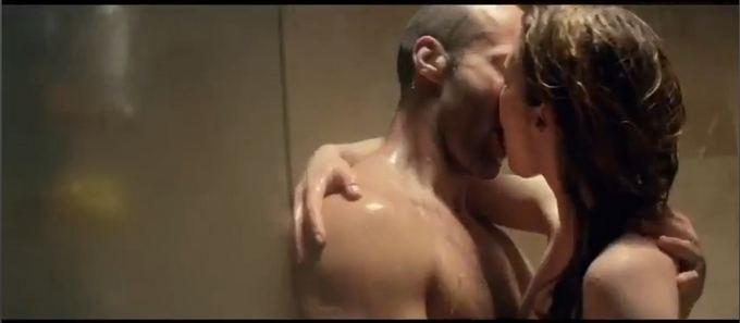 Stop kadras ia Youtube.com/Jennifer Lopez ir Jasonas Stathamas