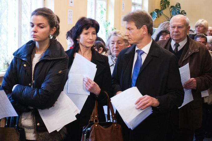 BFL/Tomo Lukaio nuotr./Rolandas Paksas and his wife vote