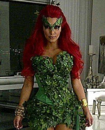 Asmeninio archyvo nuotr./Kim Kardashian per 2011-ųjų Heloviną virto Nuodingąja Gebene