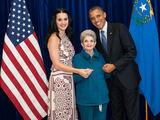 Twitter nuotr./Katy Perry su močiute ir Baracku Obama