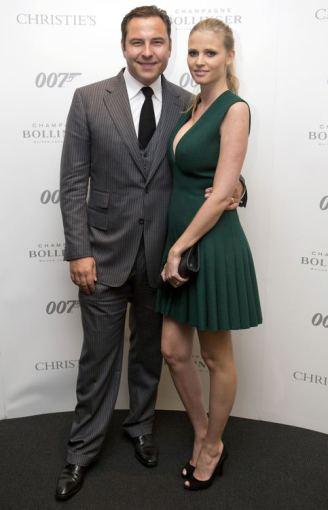 """Reuters""/""Scanpix"" nuotr./Manekenė Lara Stone su vyru Davidu Walliamsu"