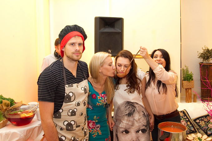 Viganto Ovadnevo/Žmonės.lt nuotr./Menai&renginiai komanda (ia kairės): Rapolas Bernotas, Erika Purauskytė, Toma Žadvydaitė ir Rūta Čekytė