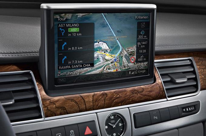 Gamintojo nuotr./Audi A8