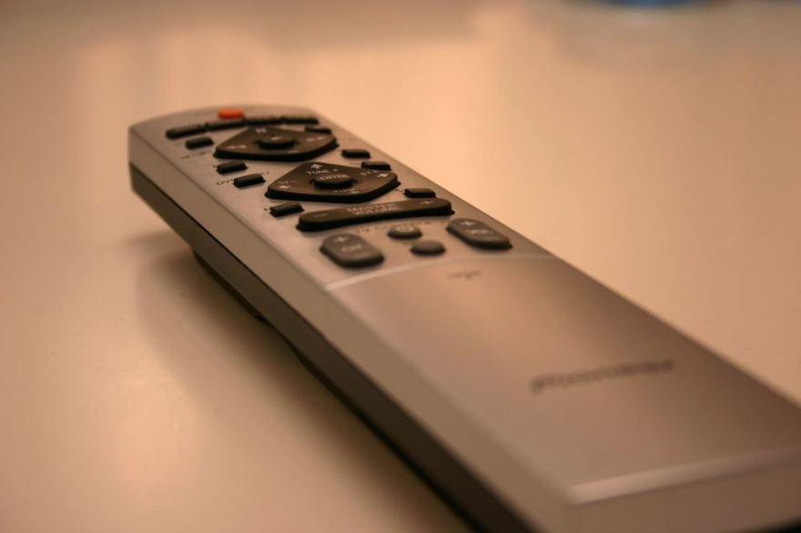 SXC nuotr./Televizoriaus nuotolinio valdymo pultelis