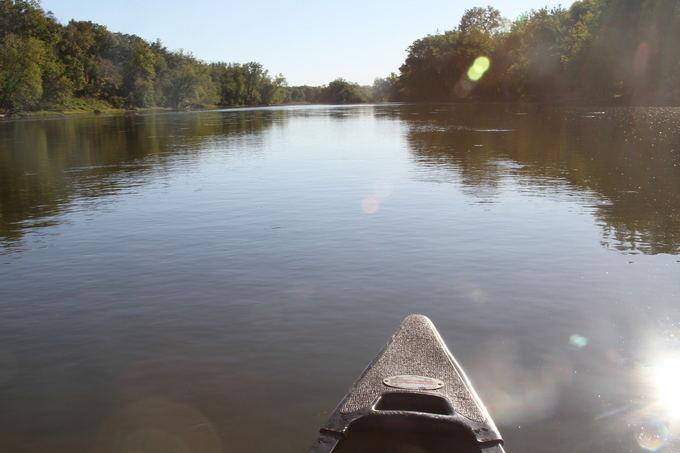 Evelinos ir Karolio nuotr./Plaukiant upe