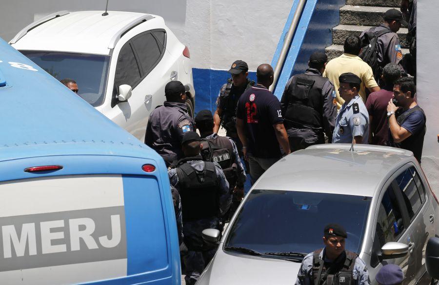 Brazilijoje suimta dešimtis pareigūnų ir narkotikų prekeivių.