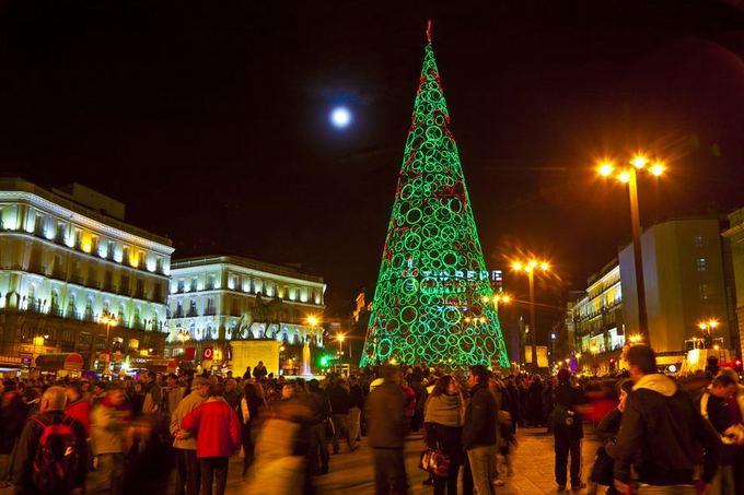 123rf.com nuotr./Kalėdų eglė Madride