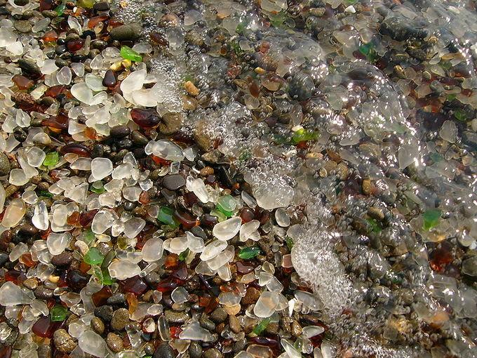 Wkimedia.org nuotr./Žėrintis Stiklo paplūdimys Kalifornijoje