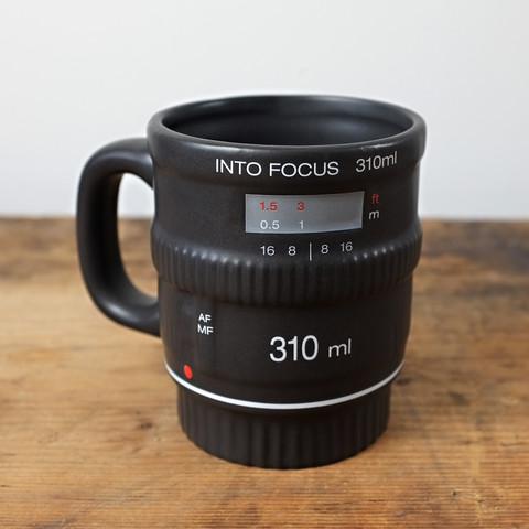 Gamintojo nuotr./Objektyvo formos puodelis