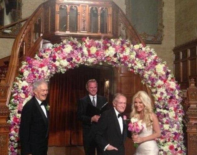 Susituokė Hughas Hefneris ir Crystal Harris