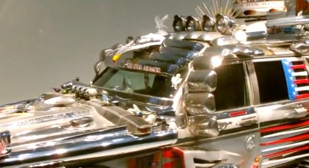 Vyras sukūrė automobilį iš šiukšlių ir metalo laužo