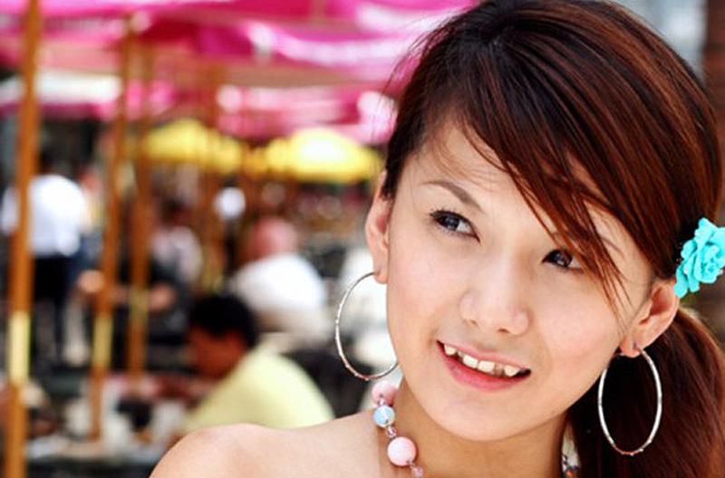 Japonių grožių etalonas – kreivi dantys