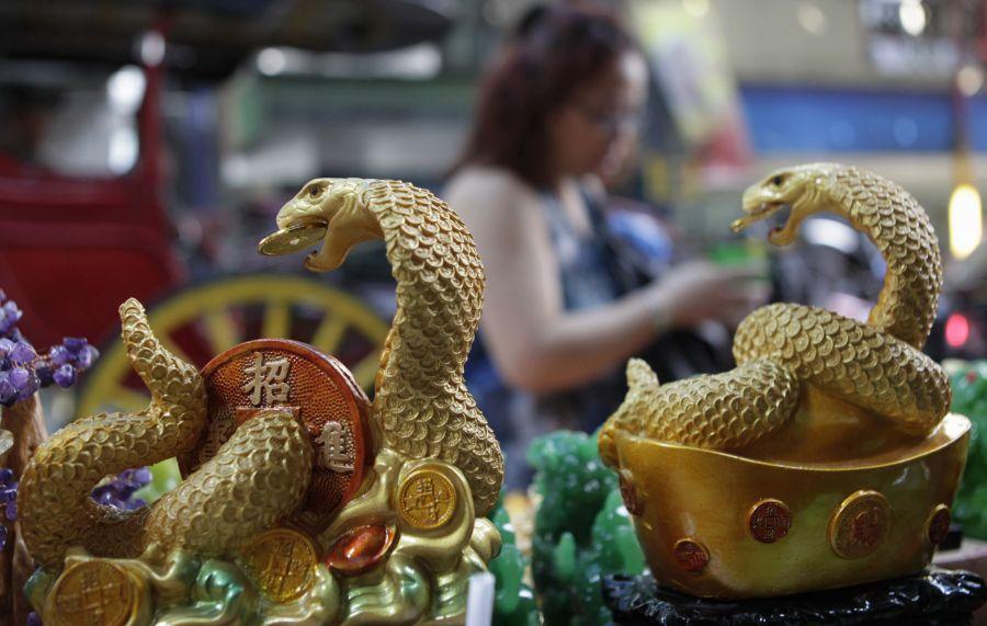 Gyvatės skulptūrėlės