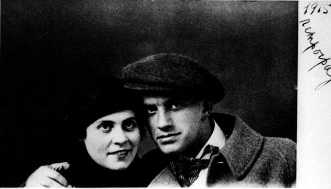 wikipedia.org nuotr. /Lilė Brik su V. Majakovskiu