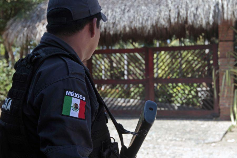 Meksikos pareigūnas įvykio vietoje