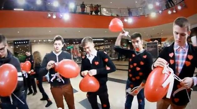 Valentino dienos proga – studentų flashmobas