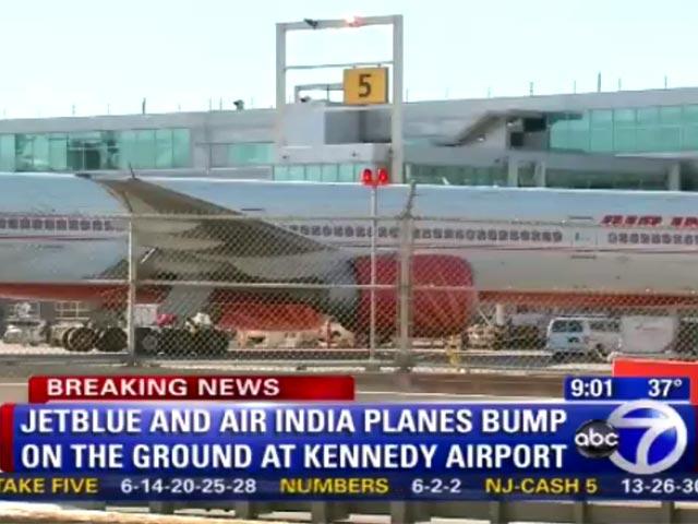 Niujorko J.Kenedžio oro uoste susidūrė du lėktuvai