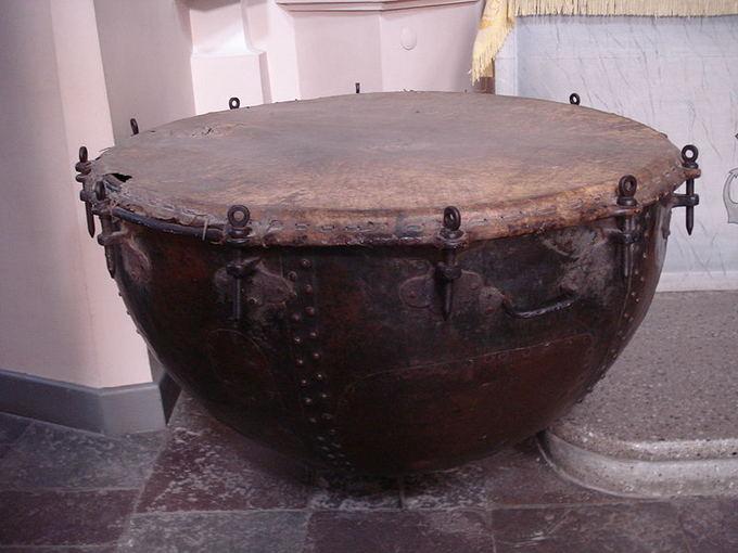 Būgnas `v. Petro ir Povilo bažnycioje, M.K. Paco paimtas kare su turkais 1673 m.