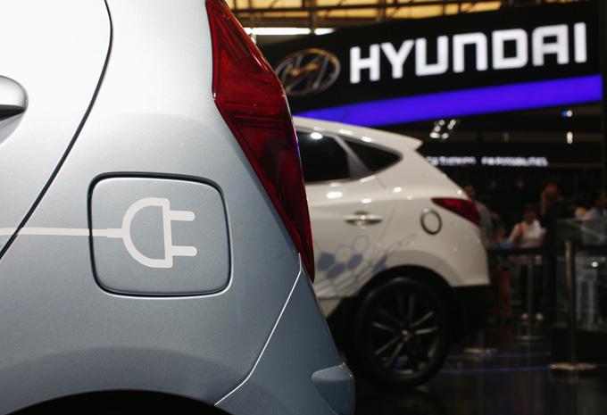 """""""Hyundai"""" stendas"""