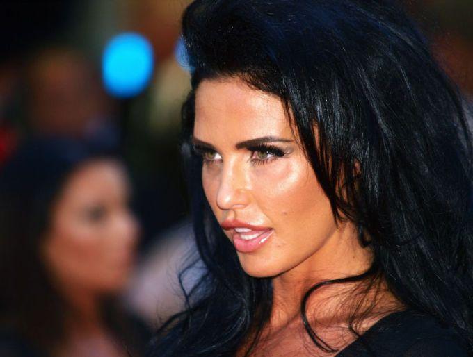 Scanpix nuotr. / Britų televizijos persona Katie Price filmo premjeroje.