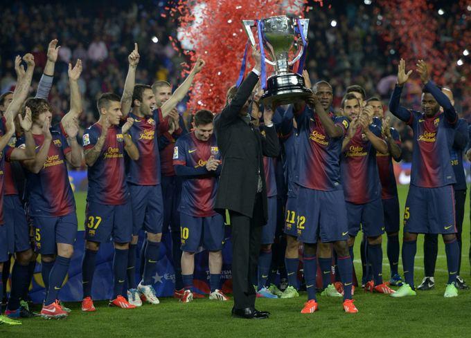 Barcelona komanda avenčia 2012/13 metų čempionų titulą.