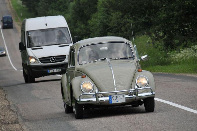 Algimanto Brazaičio nuotr./Istorinių automobilių žygis