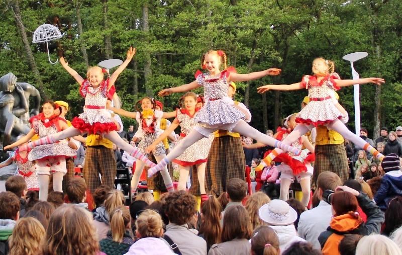 Palangoje rengiamas įvairiausių šokių festivalis.