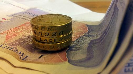 Британцы столкнулись с рекордным сокращением зарплат