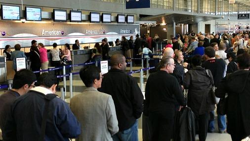 В Чикаго из-за шторма отменили 500 авиарейсов