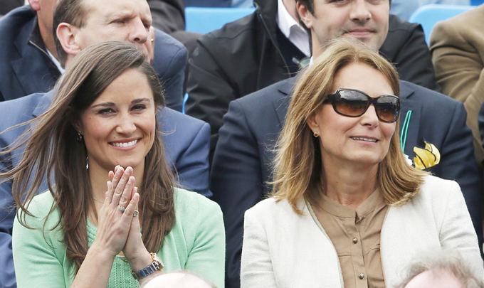 Scanpix nuotr. / Pippa Middleton su mama Carol Middleton