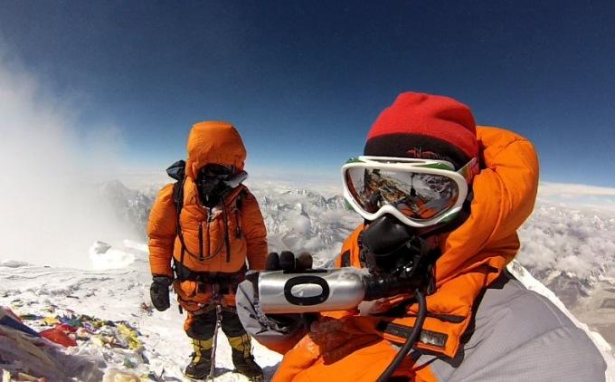 E.Nichols nuotr./19. Edita and Tarkis Sherpas viraūnėje