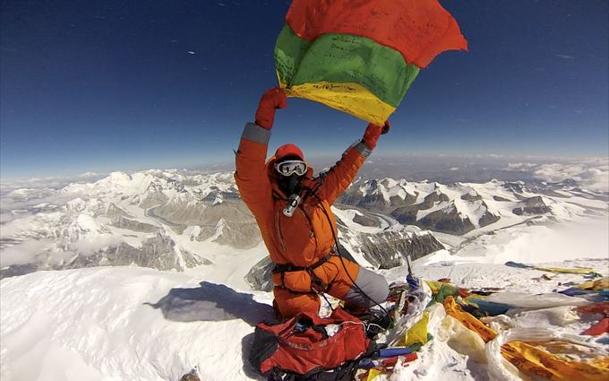 E.Nichols nuotr./20. Everesto viraūnėje su trispalve