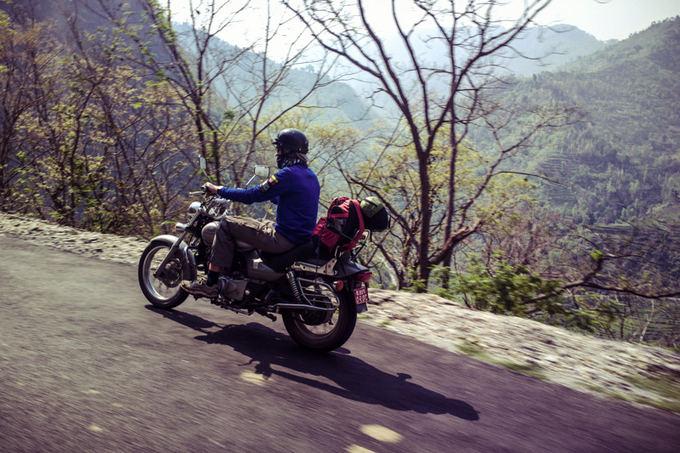 Be sienų nuotr./Siaurais Himalajų keliais