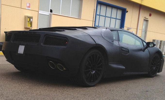 Facebook.com nuotr./Užmaskuotas Lamborghini prototipas